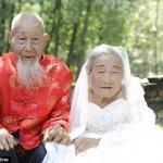 Di Cina, Pasangan Ini Baru Membuat Foto Pernikahan Setelah Memasuki Usia Lanjut