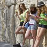 Menurut eMarketer Remaja Lebih Menyukai Instagram dan Snapchat Dibandingkan Facebook