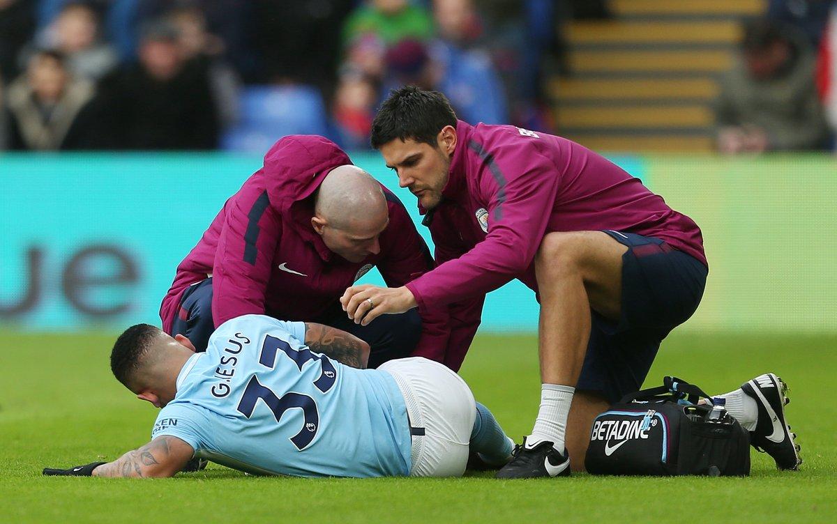 Striker Manchester City mengalami cidera parah saat pertandingan melawan Crystal Palace